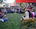 Majstor grnčar Danica Šunjevarić drži prezentaciju starog grnčarskog zanata